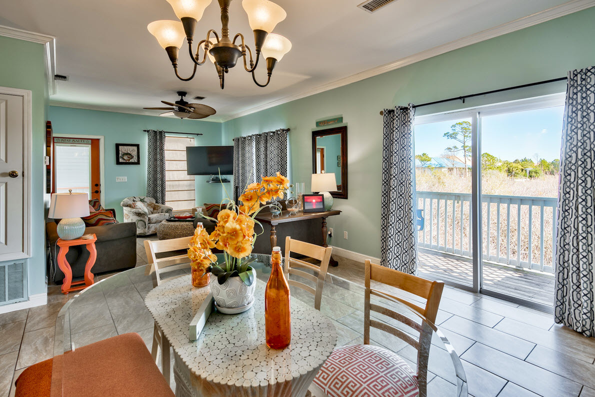 dining-lr-destin-vacation-rentals