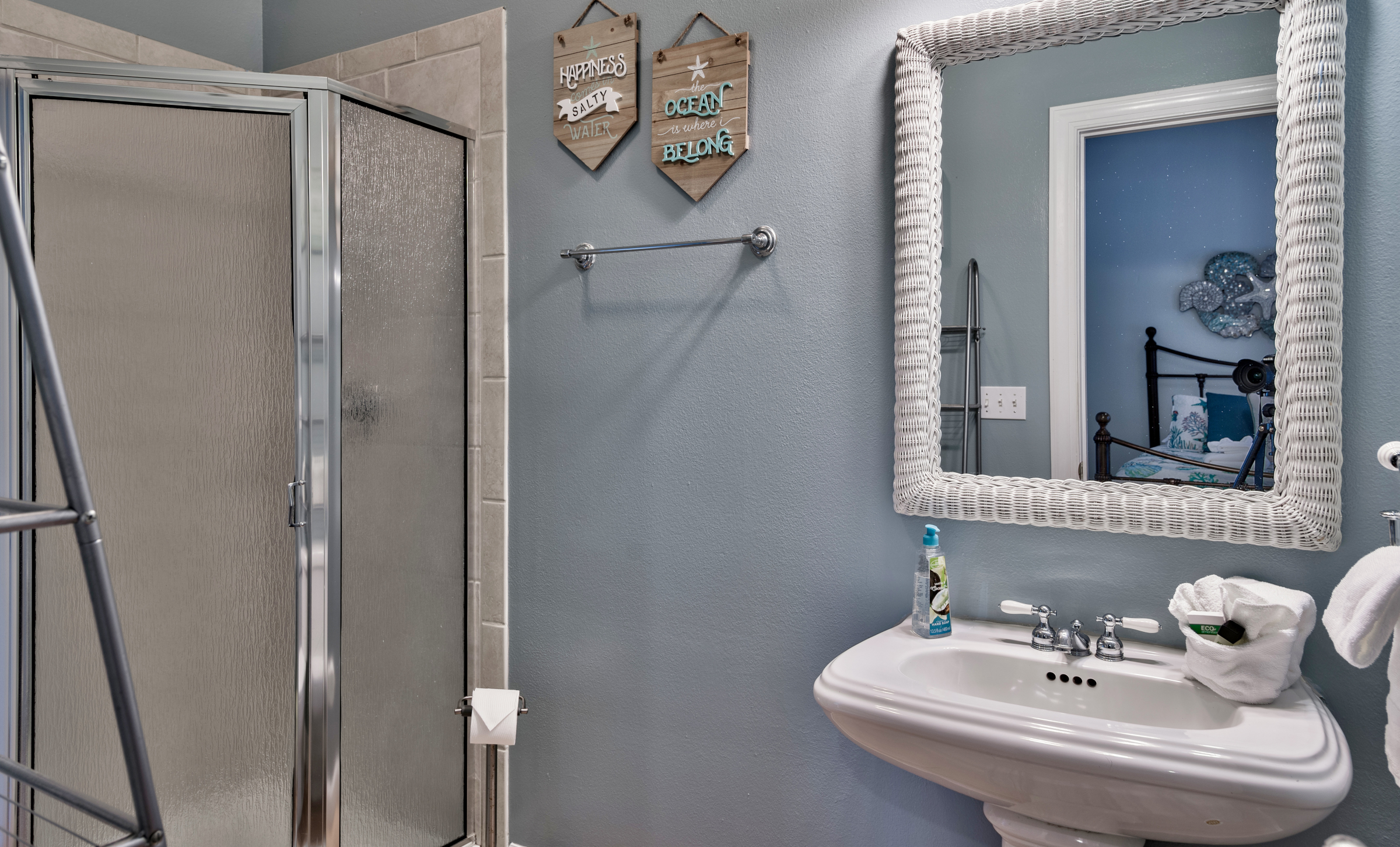 full-bath-main-destin-vacation-rentals